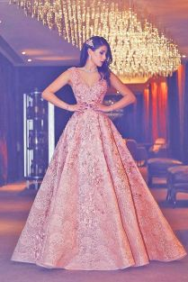 18 Engagement Dresses For Gorgeous Look