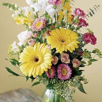 15 Spring Floral Arrangement Ideas