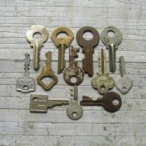 Vintage Skeleton Keys Rusty Metal Keys Vintage Key Charms