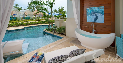 4 Swim-Up Suites You Should Jump into on Your Next Vacation!