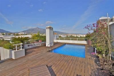 embrujo penthouse pool