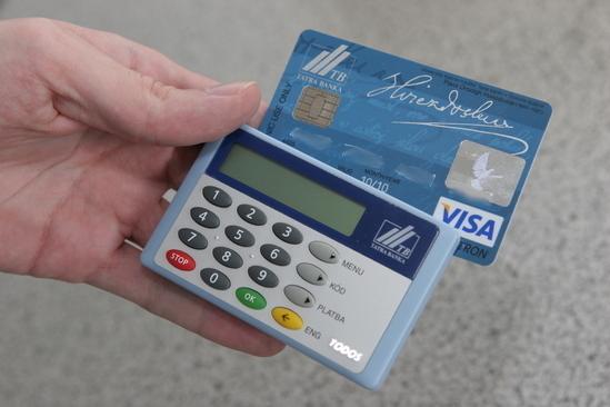 Porovnanie velkosti karty a čítačky
