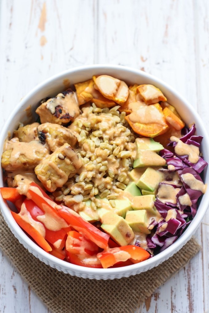 Check out these awesome vegan Buddha bowl recipes, including this Thai Tempeh Buddha Bowl!