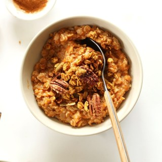 10 Cozy Vegan Oatmeal Recipes for Breakfast