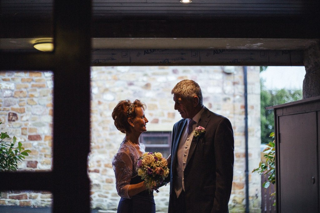 Shireburn Arms relaxed wedding