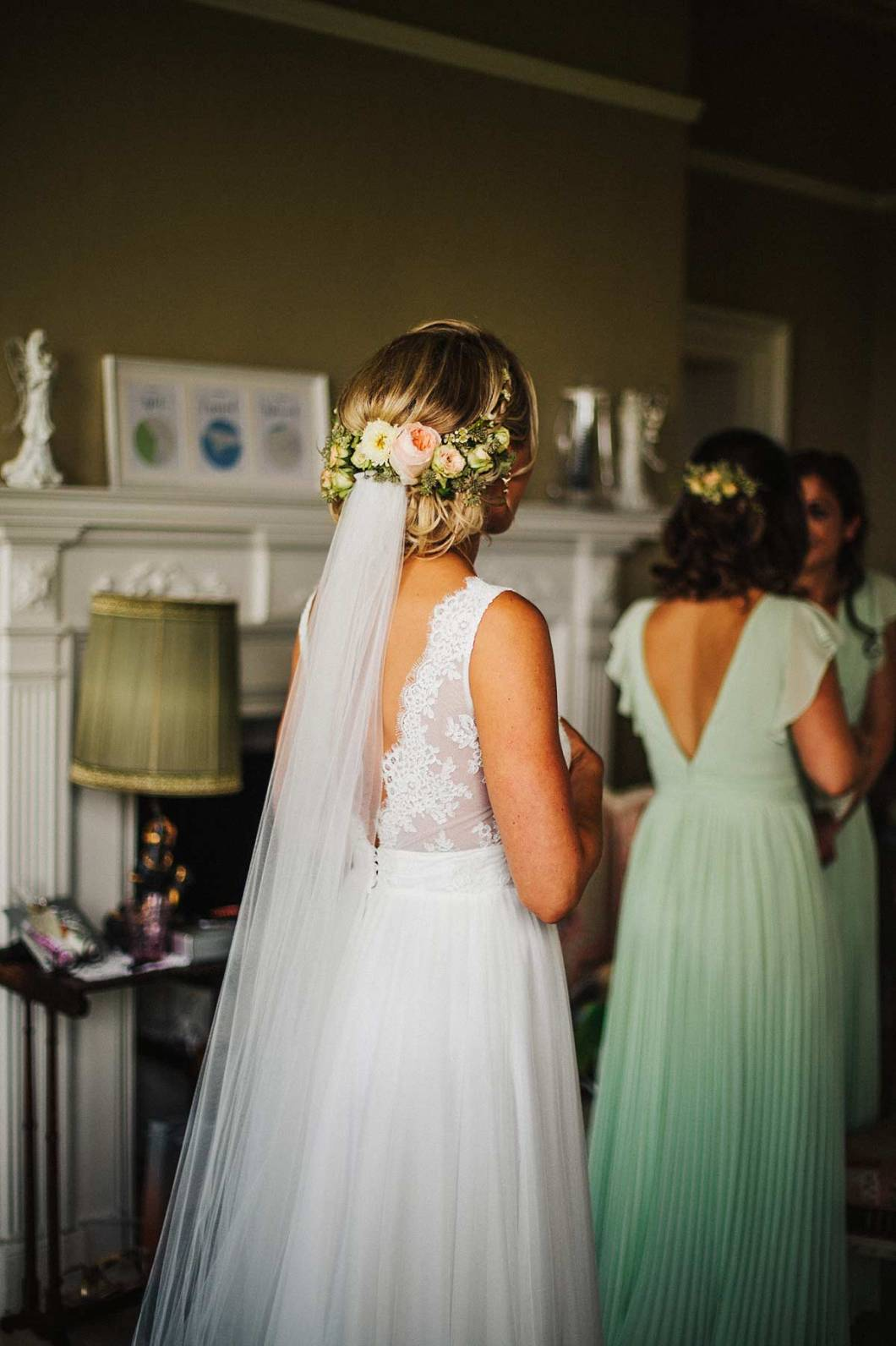 Beautiful wedding hair and flowers