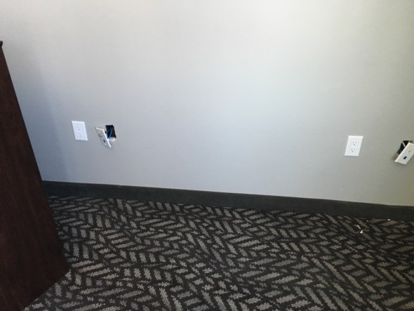 Closing Faceplates in the rooms of hotel EM IT and Networks