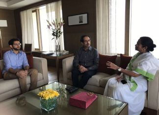 shiv sena chief meeting mamata banerjee with his son