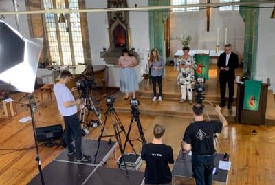 Viel Technik, ein stark veränderter Gottesdienstraum und 26 mitwirkende Personen. Das war das »Film-Set« in der Erfurter Ägidienkirche.