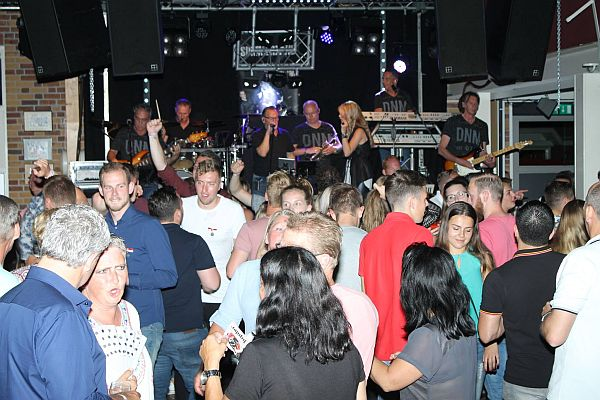 di-bandenfeest-600x400
