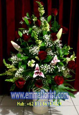 Rangkaian Bunga Meja Lily