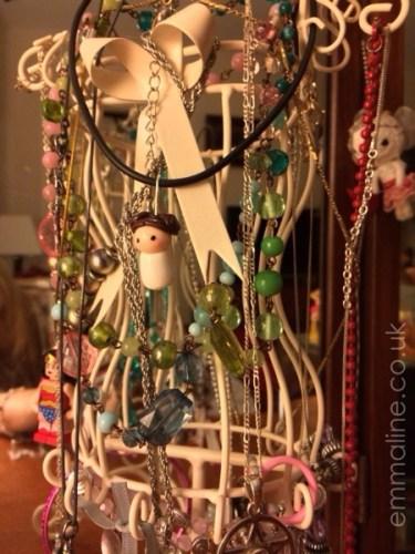 Make princess leia necklace