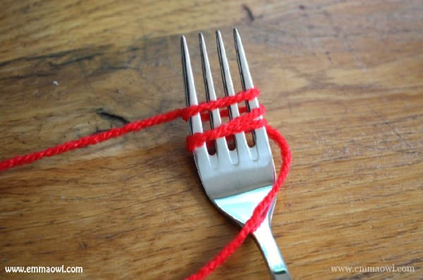 How to make pom poms with a fork-02