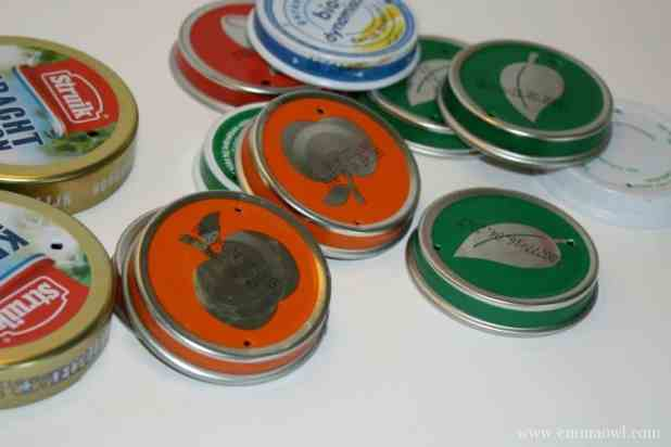 Make your Own caterpillar with baby food jar lids