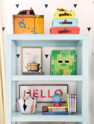 Mint bookcase with Hello light box