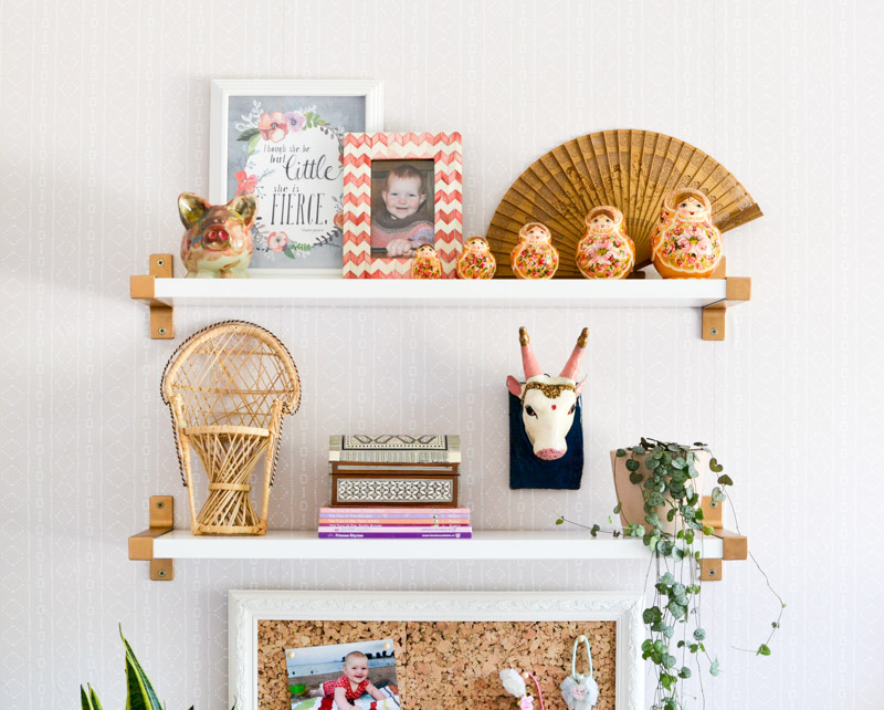Global boho kids bedroom makeover - Ikea Ekby shelving + DIY gold brackets