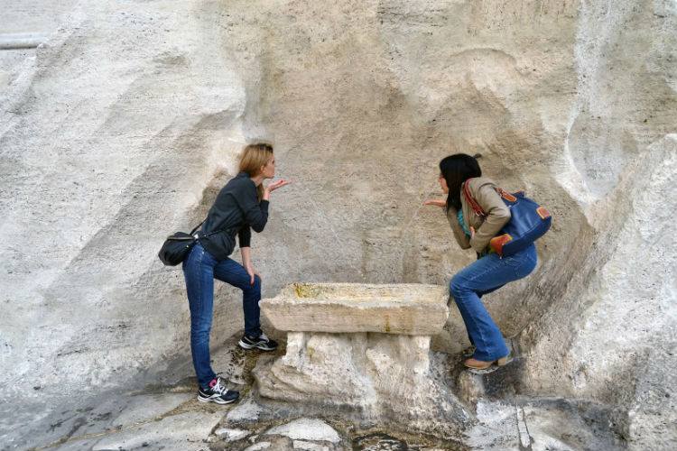 Visitare la Fontana degli Innamorati di Roma per un patto d'amore