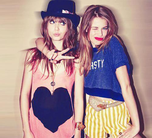 cute-fashion-friends-girls-Favim.com-651745