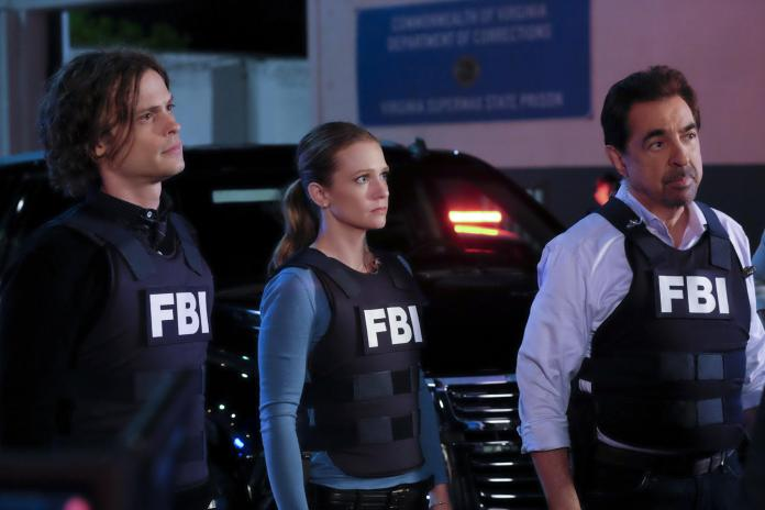 """""""The Storm"""" -- The BAU is shocked when SWAT apprehends Hotch (Thomas Gibson) and accuses him of conspiracy. As the team scrambles to prove his innocence, they suspect a larger plot is on the horizon, on CRIMINAL MINDS, Wednesday May 4, 9:00-10:00. Pictured: Matthew Gray Gubler as Dr. Spencer Reid, A.J. Cook as Jennifer """"JJ"""" Jareau, Joe Mantegna as David Rossi. ©2016 CBS Broadcasting, Inc. All Rights Reserved"""