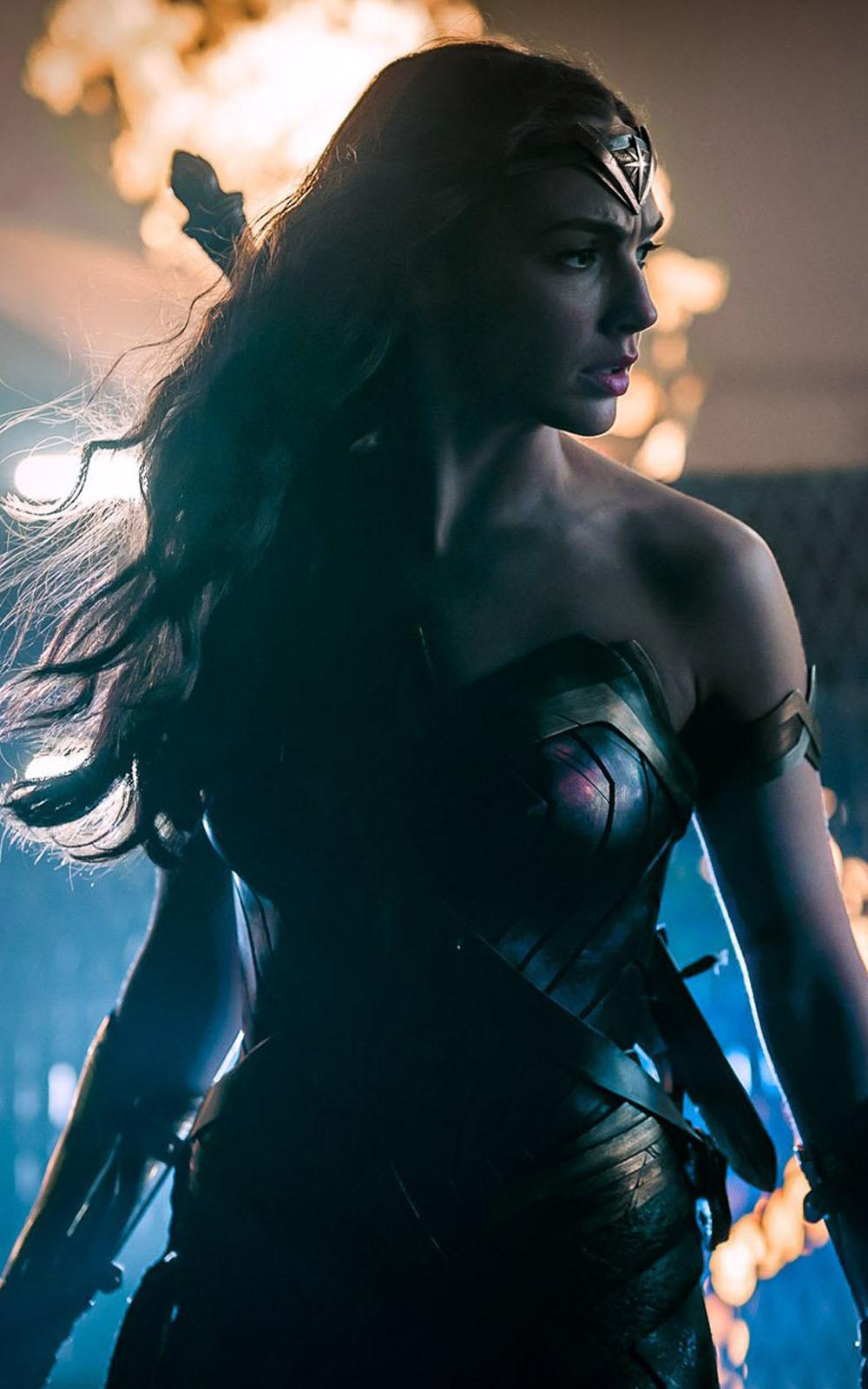 Wonder-Woman-Justice-League-Mobile-Wallpaper