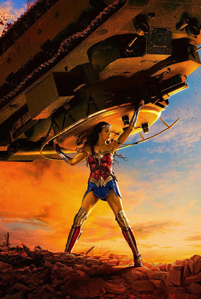 Wonder_Woman_hero_Wonder_Woman_(2017_film)_Gal_523491_690x1024