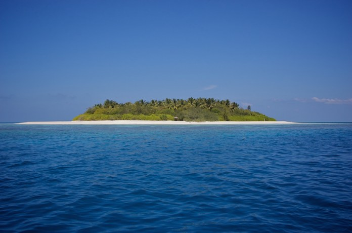maldives_desert_islands-1