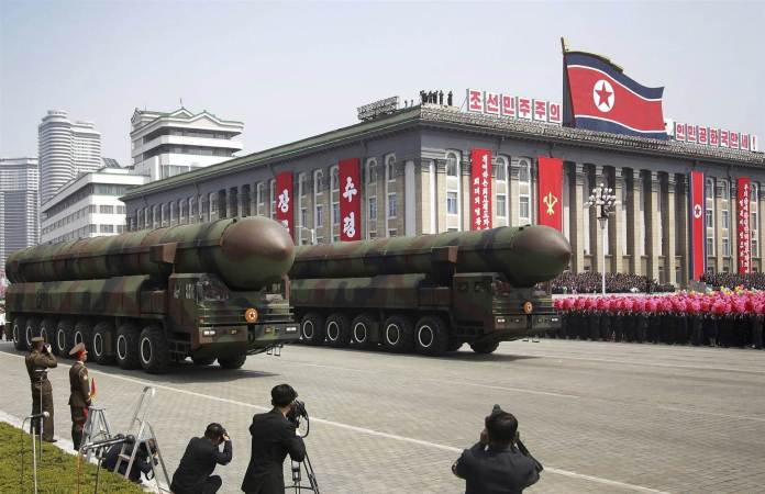 170428-north-korea-missiles-parade-se-648p_8103ea8f9bdae3f2764d3b1faae43a60.nbcnews-ux-2880-1000
