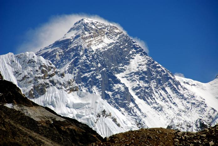Gokyo 5 Scoundrels View 8-2 Everest Close Up
