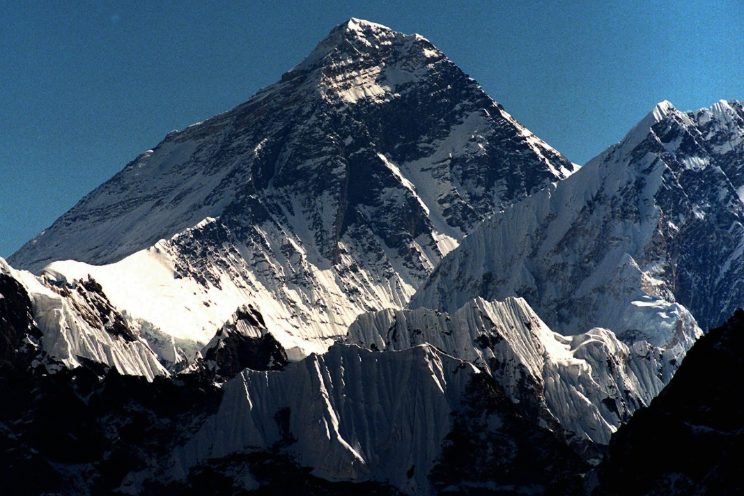 everest-feature-2