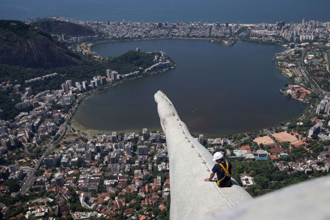 http-%2F%2Fmashable.com%2Fwp-content%2Fgallery%2Fchrist-the-redeemer-repairs%2Fchrist-the-redeemer