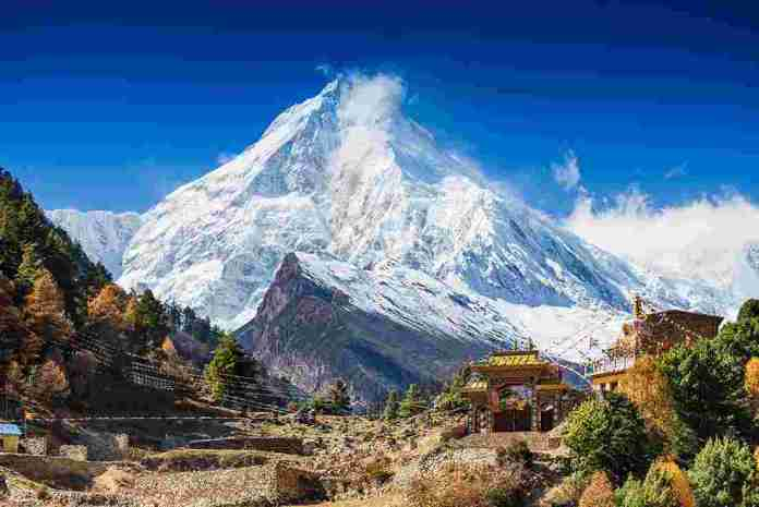 nepal_everest_hut-at-base