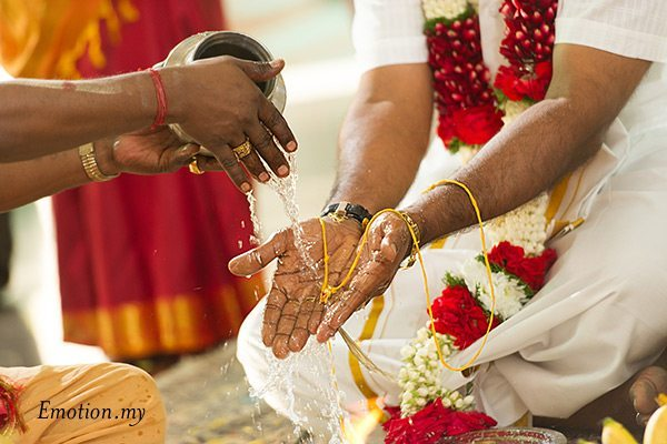 indian-hindu-wedding-malaysia-thali-water
