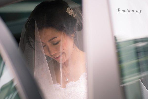 church-wedding-veil-bride-car-kuala-lumpur-malaysia