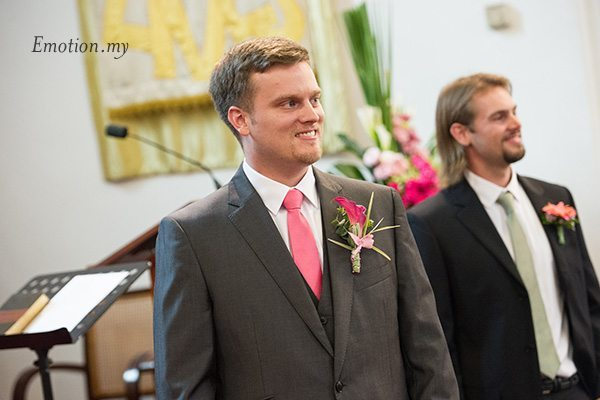 st-andrew-church-wedding-groom-emotion-in-pictures-andy-lim