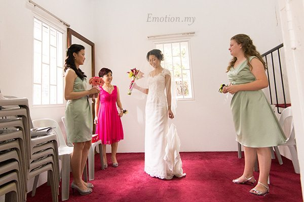 st-andrew-church-wedding-photography-bride-bridesmaids-emotion-in-pictures-andy-lim