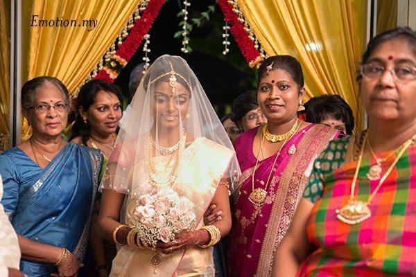 ceylonese-wedding-malaysia-jeewadas-sivashni-entrance
