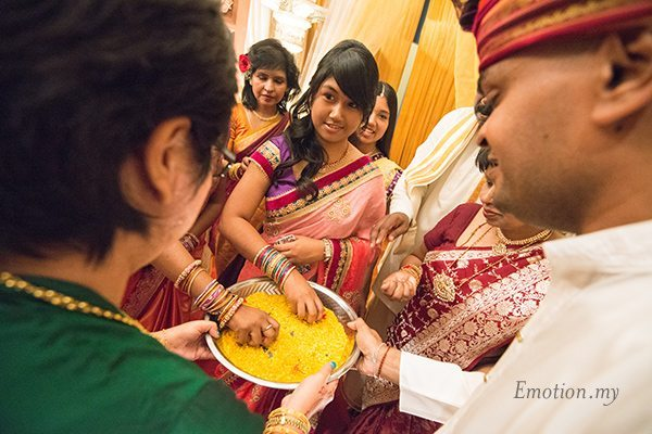 ceylonese-wedding-malaysia-yellow-rice