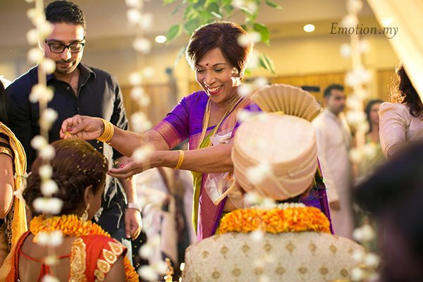 ceylonese-wedding-blessing