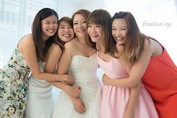 church-wedding-st-peter-melaka-bridesmaids