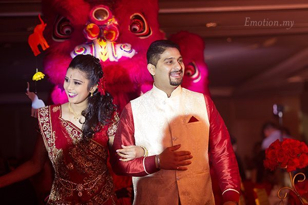 wedding-reception-malaysia-march-in-vimal-vimala