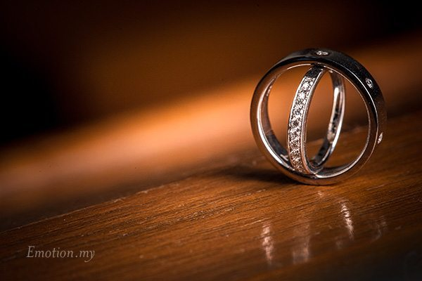christian-wedding-rings-edward-tze-teng