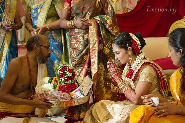 telugu-indian-wedding-bride-ceremony-malaysia-srinivas-priya