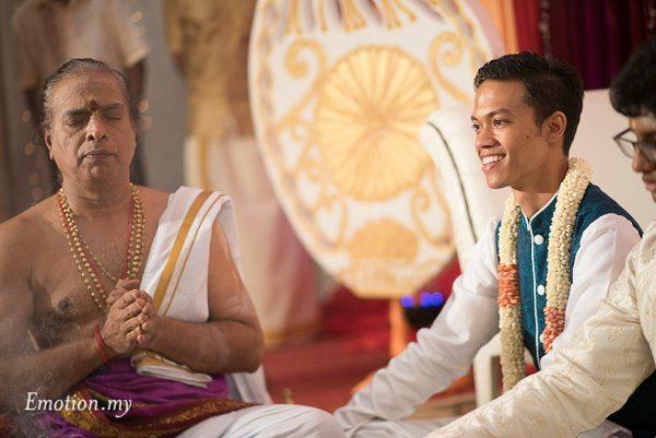 hindu-tamil-wedding-ceremony-groom-raymond-darshini