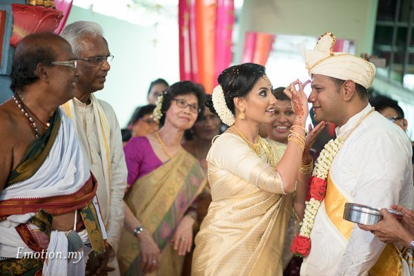 malayalee-wedding-ceremony-mahend-preena-emotion-in-pictures
