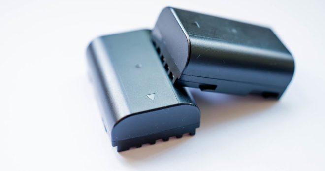 Z hlediska zákazníka nic zvláštního. Ukázka prototypové lithium-sirné baterie (v tomto případě z australského Melbourne. (foto University of Melbrourne)