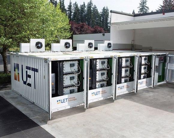 Ukázka systému z vanadových průtokových baterií firmy Unienergy Technologies