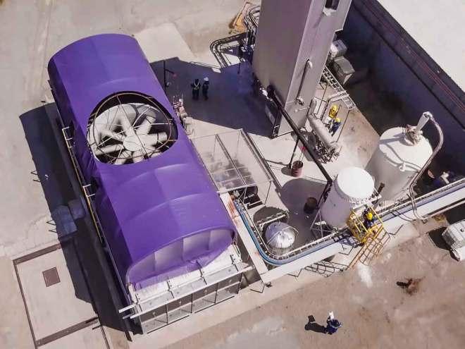 Experimentální jednotka společnosti Carbon Engineering (foto Carbon Engineering)