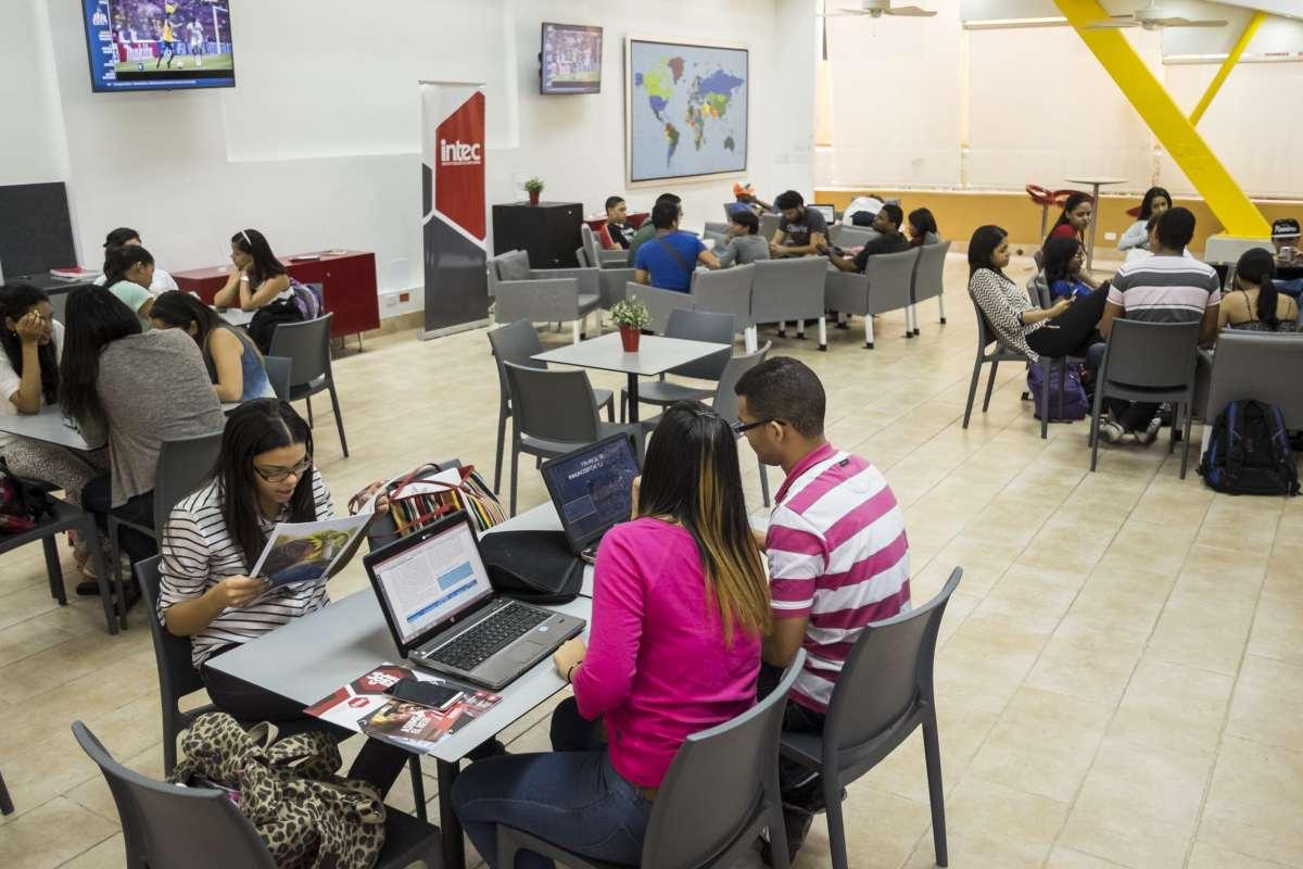 Feria de empleos en INTEC