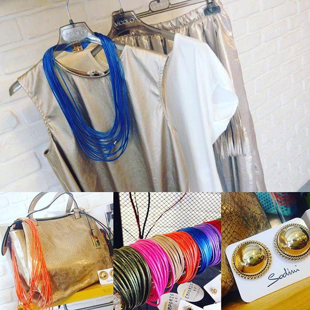 Buongiornooo Ragazzeeee!!! Diamo un po di colore a questa giornata!! Per oggi ho scelto un completo total look #vicolo abbinato alla nostra nuovissima e coloratissima collezione di accessori e borse #sodini !!! Venite nel pomeriggio  a scegliere il vostro #outfit perfetto!! Come in girls!! #newarrivals #bag #accessori #colour #cool #fashion #fashionvictim #top #total #look #mystyle #mylife #outfit #perfect #amazing #magazine #emporioconceptstore #ladispoli #officina19 @sodinibijoux
