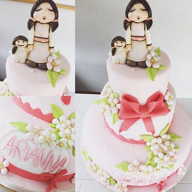 Buon pomeriggio miei cari amici...abbiamo realizzato interamente  Questa torta in pasta di zucchero firmata #thun... Abbiamo curato ogni dettaglio per rendere speciale la Comunione di una nostra piccola cliente... ️️️ #cake #comunione #cakedesign #passion #love #amazing #sweet #sweety #sugarcake #dolci #dolcezze #thun #emporiolab #emporiocake #emporioconceptstore #officina19 #ladispoli